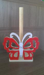 Portarotolo da cucina con farfalla tarforata, colore rosso