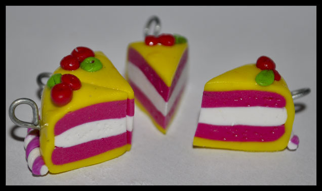 Lotto 10pz ciondoli in fimo: torta al limone