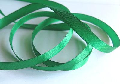 3 m. Nastro raso Verde Smeraldo  ( 10 mm ) NA5