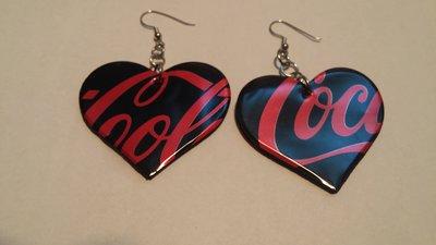 Orecchini coca cola zero fatti a mano con le lattine a forma di cuore colore nero e rosso