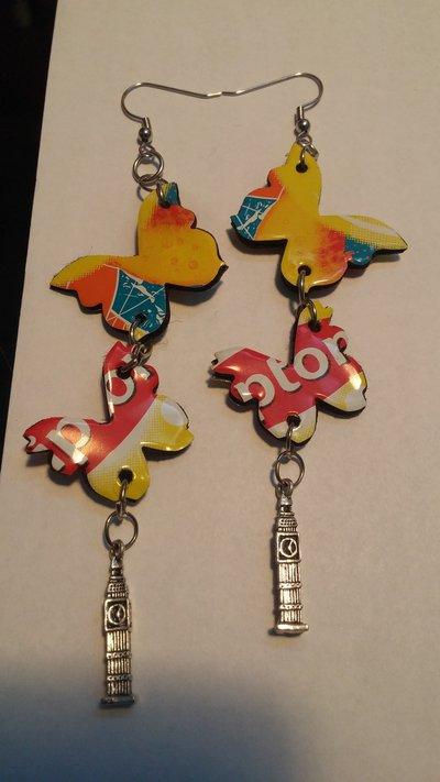 """orecchini fatti a mano con le lattine """"the lipton"""" a forma di farfalla doppia con charms big ben"""
