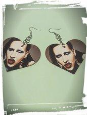 orecchini a cuore fatti a mano con le lattine stampa marilyn manson metal
