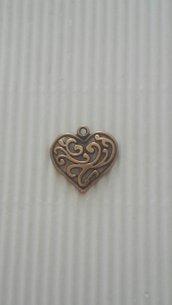 6 charms cuori lavorati bronzo 21x20mm