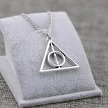 COLLANA CIONDOLO TRIANGOLO DEATHLY HALLOWS HARRY POTTER E I DONI DELLA MORT