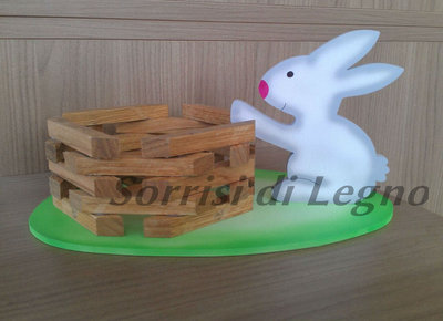 Coniglio piccolo portacioccolatini con cestino