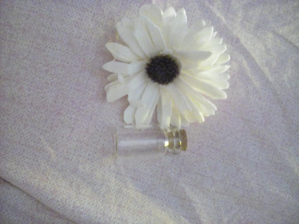 bottiglietta in vetro con tappo in sughero