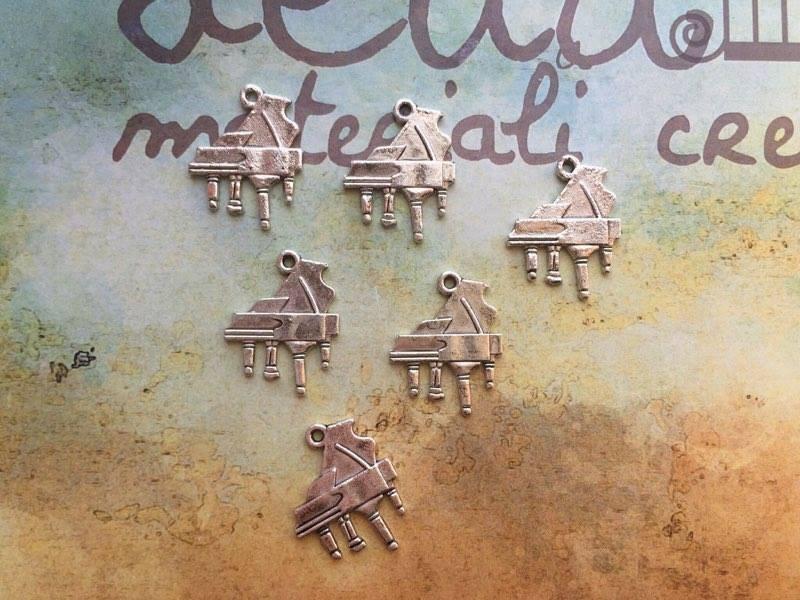 Charm Pianoforte argento