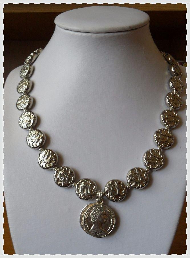 Collana medio lunga medaglie argentate