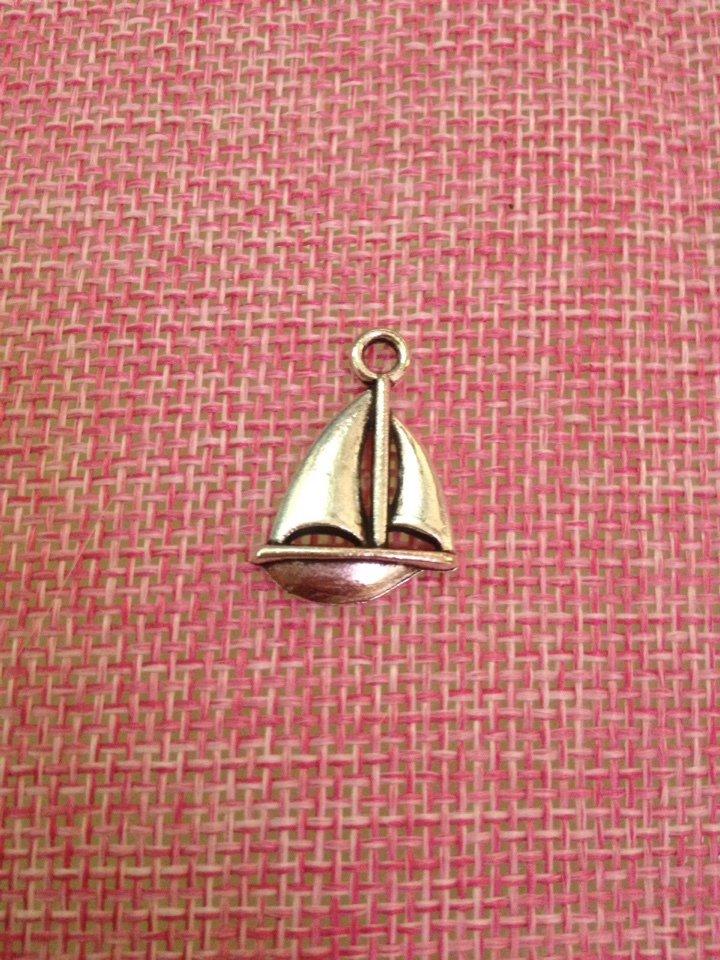charm a forma di vela