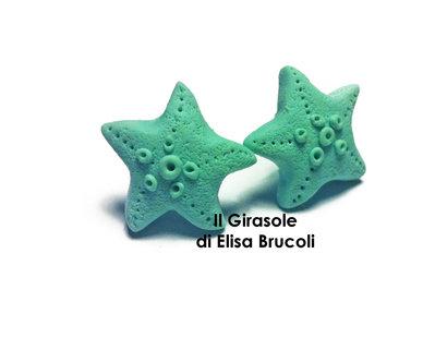 Orecchini a perno con stella marina verde acqua in pasta polimerica