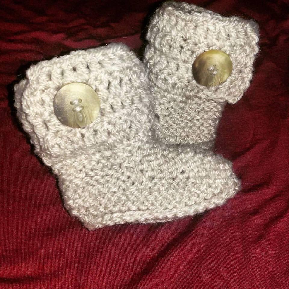 Stivaletti scarpette scarpine tipo Ugg neonato beige