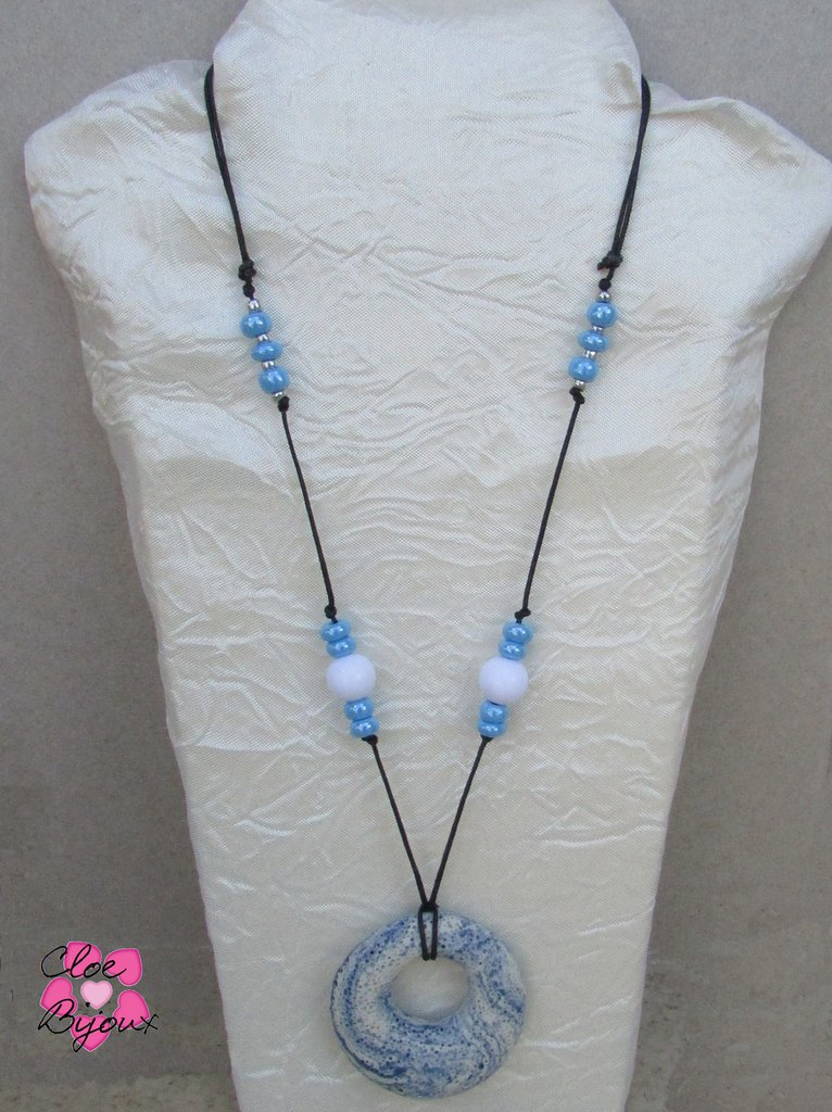 Collana Pietra lavica cerchio blu e bianco