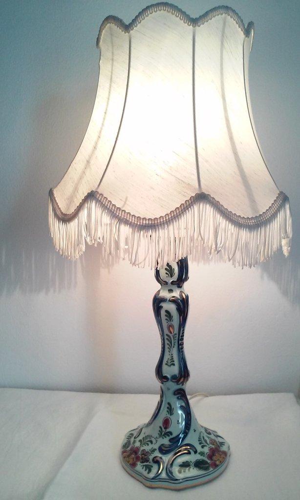 Antica lampada in porcellana ceramica policroma di Delft