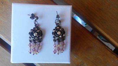 orecchini donna pendenti con fiore e mezzi cristalli rosa