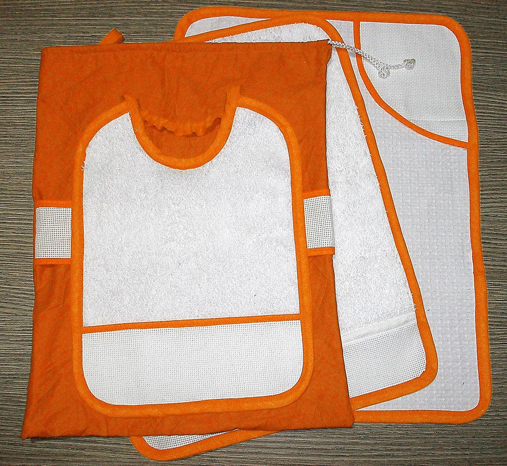 Set asilo 4 pezzi da ricamare tovaglietta bavaglino asciugamani sacca arancione
