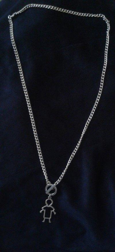 Collana catenina argentata con ciondolo a forma di bimbo