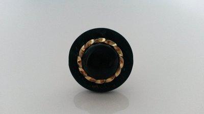 anello con bottone vintage nero e oro