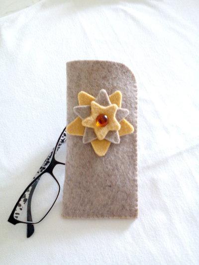 portaocchiali handmade in   feltro custodia regalo natale compleanno misshobby.com doni e bomboniere