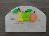 Appendino da cucina per presine o appendino per le chiavi in legno con mela verde