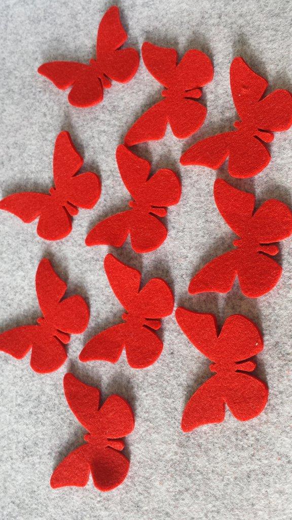 10 Farfalle fustellate rosse  in feltro grandi