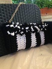 Pochette black&white con catena