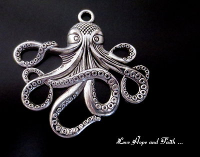 """Charm """"Octopus"""" color argento (59x57mm) (cod. New)"""