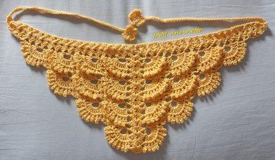 Bandana foulard in cotone color vaniglia all'uncinetto