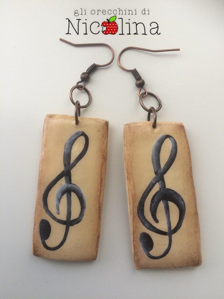 Orecchini chiave di violino in cartapesta