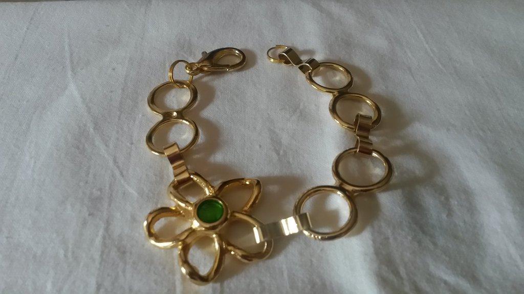 braccialetto con fiore in metallo dorato