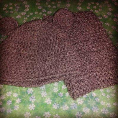 Cappellino e sciarpetta marrone bambino uncinetto