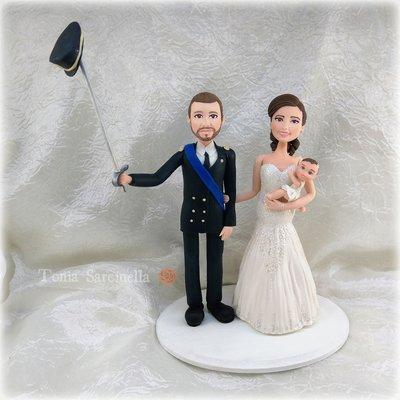 Statuine sposi con bimba caketopper
