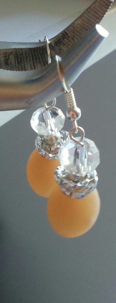 Orecchini con pendente in alabastro agata pietra sfaccettata trasparente e piccolo anello in metallo argentato