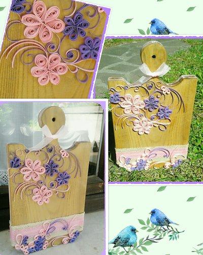 Tagliere di legno decorato in carta