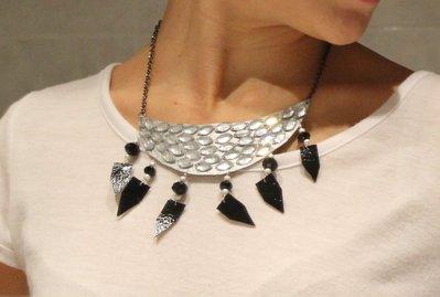 Collana argento e nera in similpelle e strass