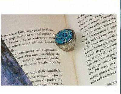 Anello fiori azzurri