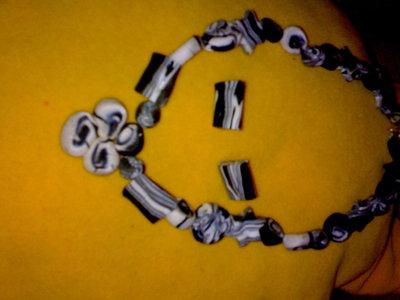 collar y pendientes