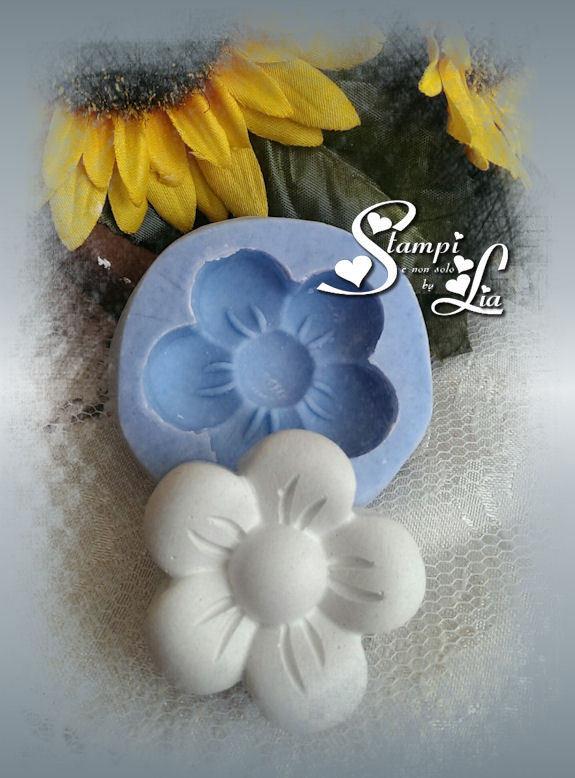 Stampo *Fiore* adatto per la creazione di gessetti e bomboniere