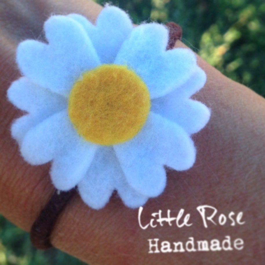 Un set di 2 Codini per capelli a fiori di Margherite by Little Rose Handmade
