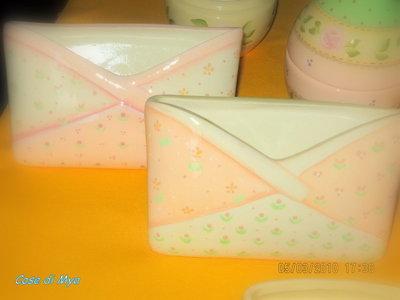 Portalettere in ceramica