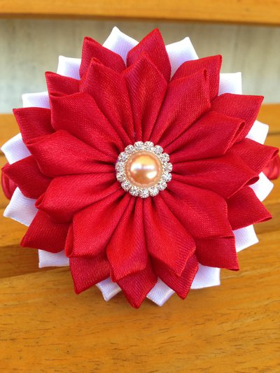Cerchietto per capelli con fiore bordeaux e bianco Fatto a mano