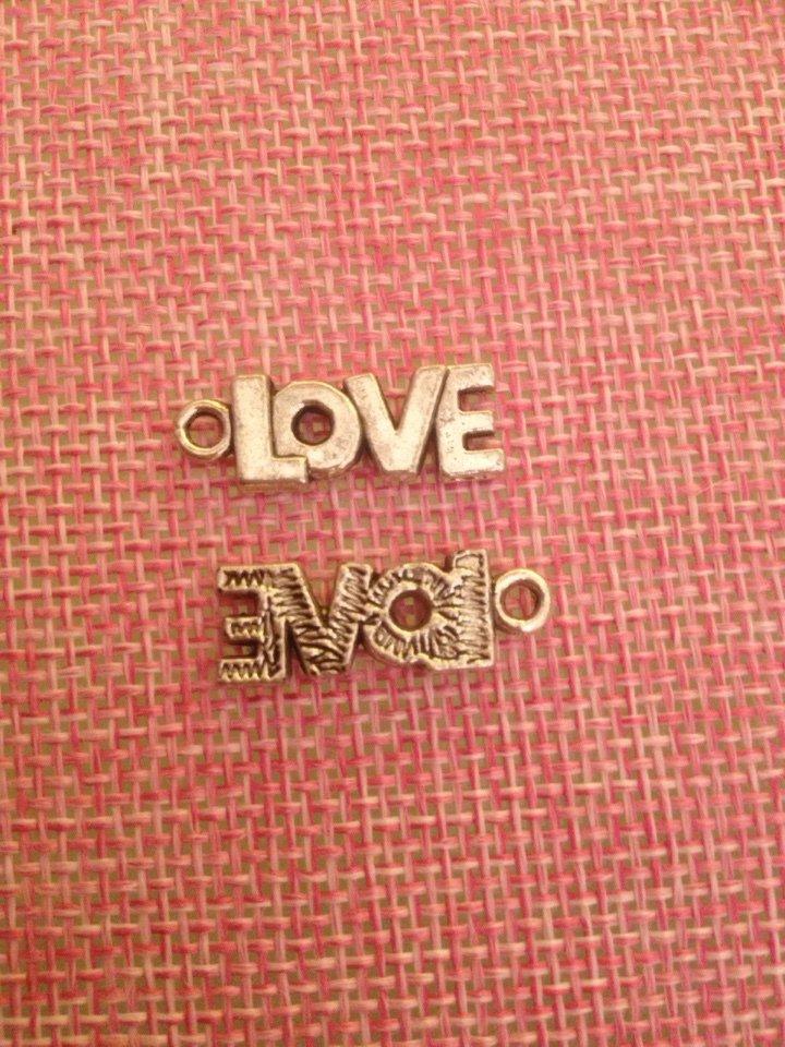 charms a forma scritta love