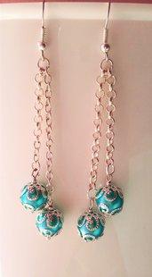 Orecchini eleganti con perle azzurre e copriperle Arabesque
