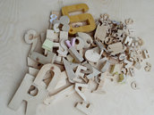 Numeri simboli lettere in legno