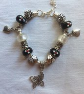 Stupendo bracciale moda con charms in argento tibetano e vetro di Murano