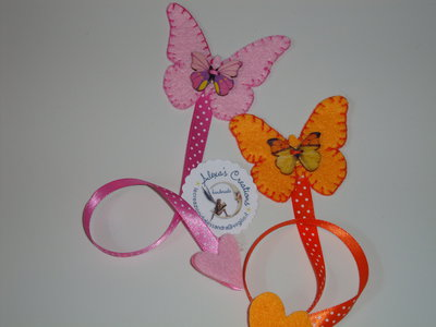 segnalibro farfalla in feltro e nastro a pois