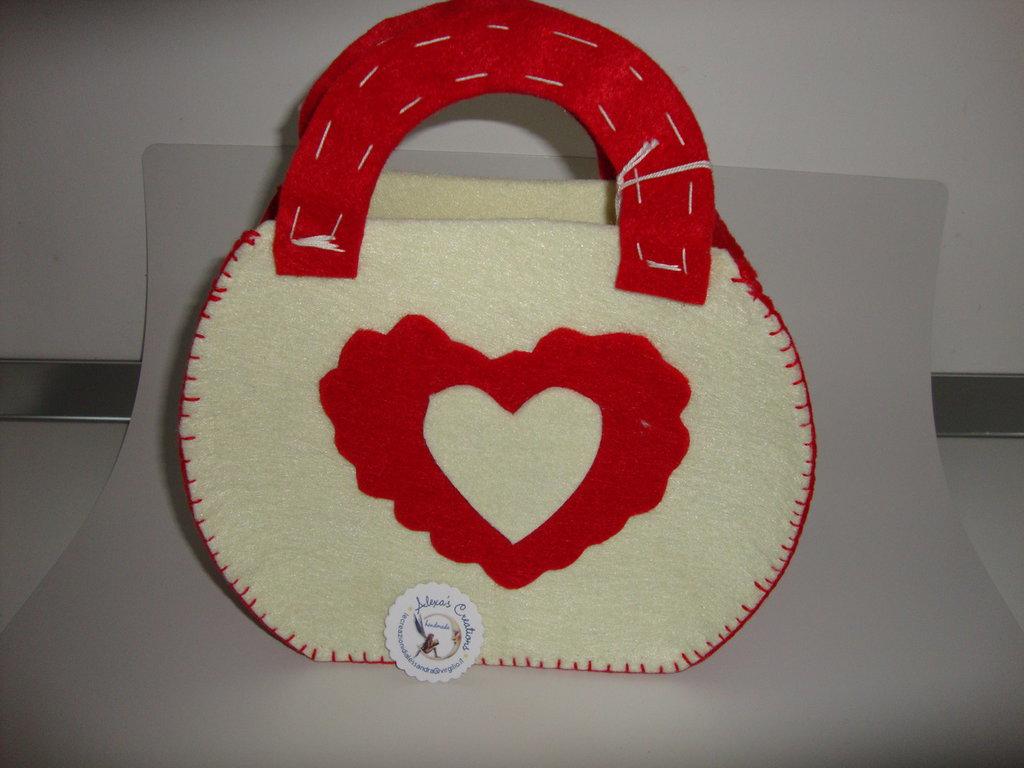 borsa  cuore bianca e rossa