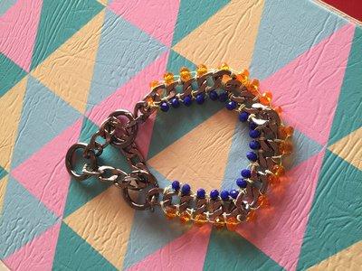 Collare per cani con catena e pietre blu e arancione