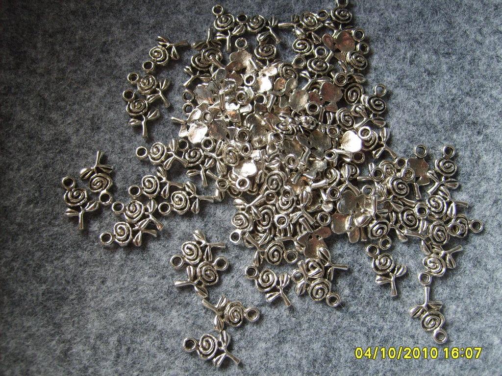 15 pz charms fiore con stelo