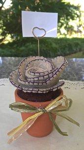 Vaso di terracotta con cactus in feltro e asta portafoto