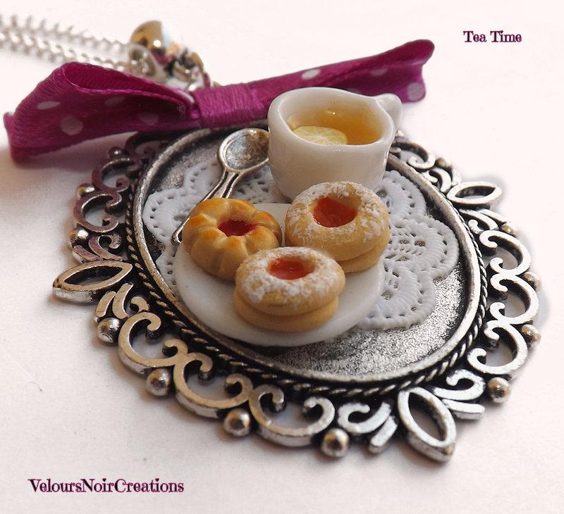 Collana tea time cammeo tazzina the e biscotti